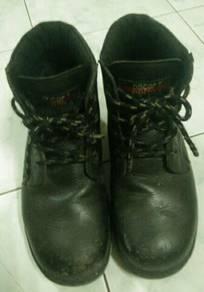 Oscar Safety Shoes / Kasut Safety Oscar