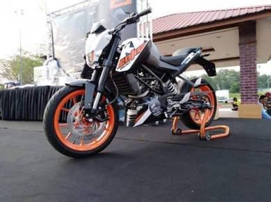 New KTM Duke 200 Free Gift Items x 17