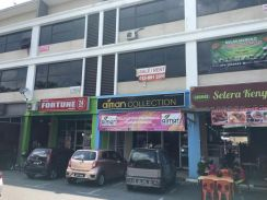 1st Flr Shoplot Matang Jaya Emart The Hub Swan Comm - FULLY FURNISHED