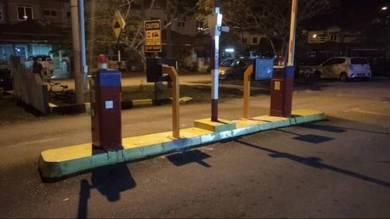 Mid range barrier gate BOOM GATE system
