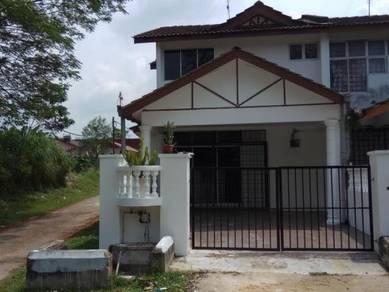 Rumah corner saleng