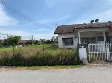Tepi sungai klang teluk pulai single sty house with super big land