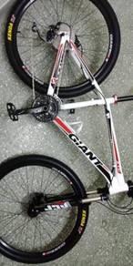 Giant xct 27.5 bicycle 650b basikal like new