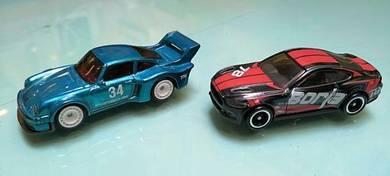 Hotwheels LOT 2 pcs STH Porsche & Mustang