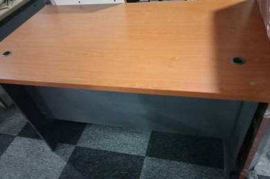 4Ft Office Table