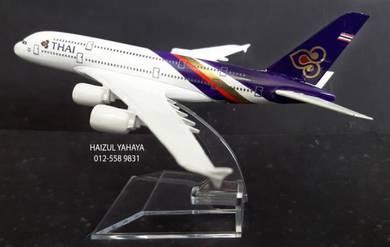 Thai Airways B747 (Purple) - Aircraft Model 12