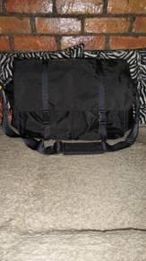 Sazaby sling bags