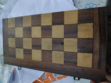 Permainan Chess ( kayu )