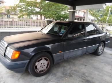 Mercedes Benz 230E 2.0 (A) for scrap