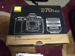 Nikon D70s box and manual