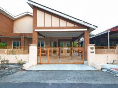 Single Storey Semi-D house for rent at Teluk Intan