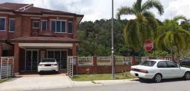 Subang Lapang Terbang Corner House , Big Land