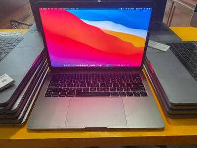MacBook Pro 13 Core i5 8GB/256GB YEAR 2017