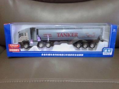 Oil Tanker Truck Model