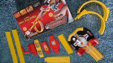 Car toy loop playset rapid fire