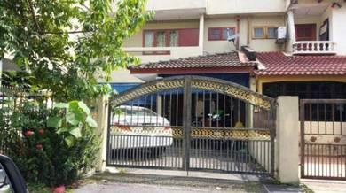 Taman Perwira 2Stry House_Sebelah Madrasah Perwira Indah
