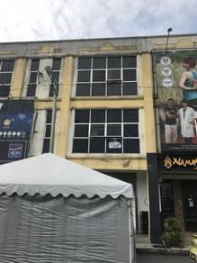 'Below Market' 3 Sty Shop Lot At Semabok AMJ Main Road