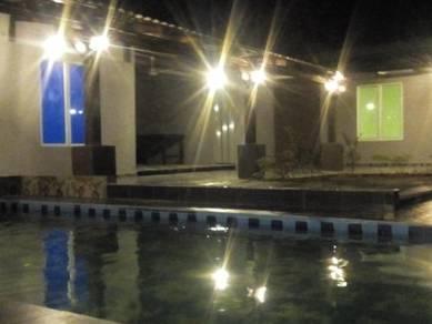 Studio 3 bilik dgn swimming pool