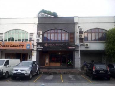 2-storey shop lot, jalan badminton, sek.13, shah alam(price reduce)