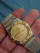 Vintage 90's Omega constellation 18k gold bezel