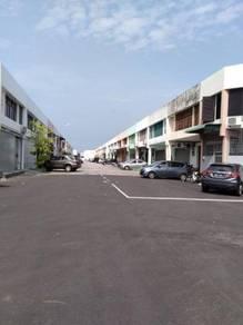 1.5 storey factory in diamond valley