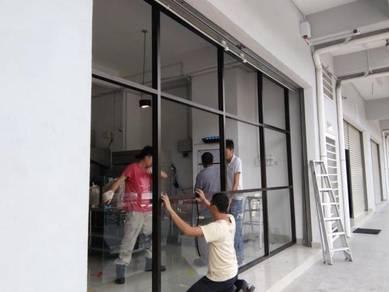 GLASS WALL OF TEMPERED l dinding kaca berketahan
