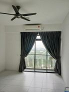 Sky Oasis Setia Indah 2 bedrooms 1 bathroom Partial Furnished