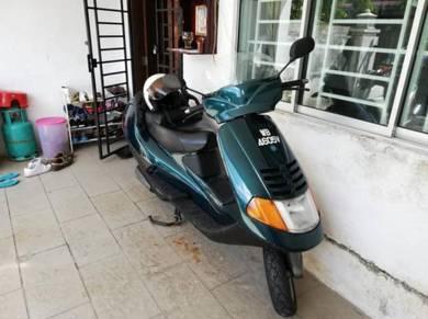 Scooter piaggio hexagon 150