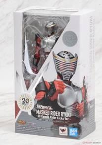 Bandai s.h.figuarts masked rider ryuki