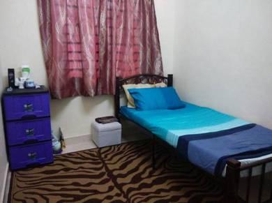 Bilik sewa, sharing master bedroom