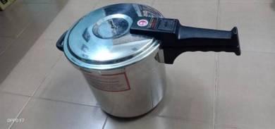 Innova DeluxePressure cooker