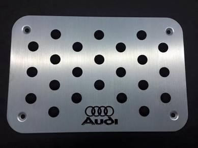 Audi carpet board