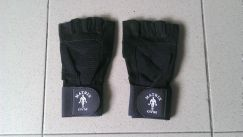 Gym glove matrix for weight lifting new