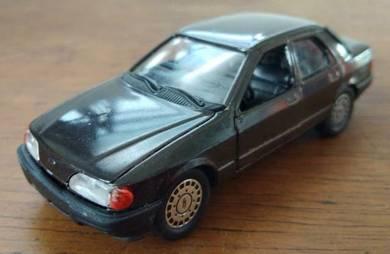 Schabak 1/43 Ford Sierra 2.0 Kereta Hiasan