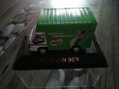 Milo Van 90's