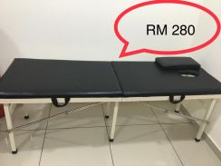 Massage bed in very good condition