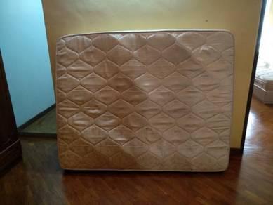 Tilam Queen Mattress 9 inch inci Warna Krim COD