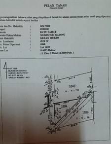 Tanah untuk dijual ada hasil sawit 3ekar 4rood.