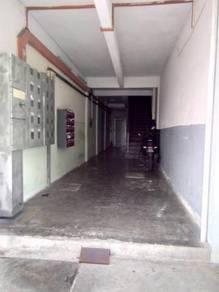 Apartment tingkat bawah cheng ria