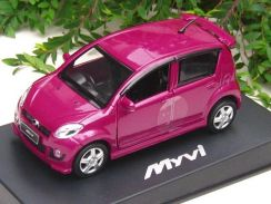 Perodua Myvi 1/32 diecast car - Dazzling red