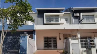 Rumah Besar 2 Storey Di Taman Desa Mas