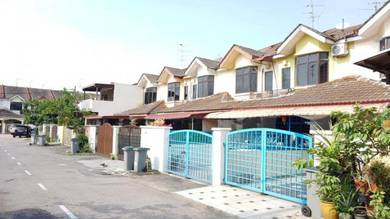 Tan Sri Yaacob Yacob Double Storey House ( BELOW MARKET ) FOR SALE