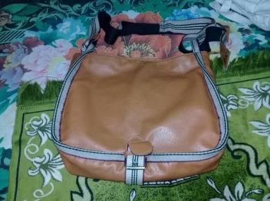 Nice Sling Bag