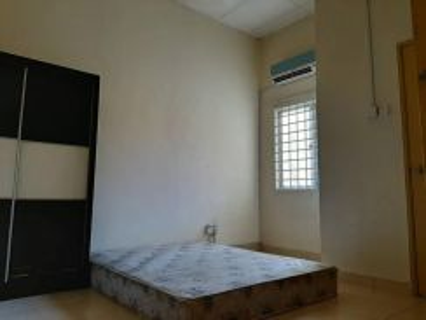 Rent room, medium, full furnished, Garden city home, seremban, Aeon