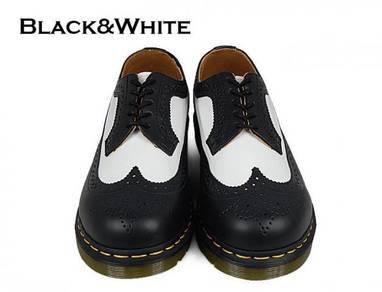 Dr Martens 3989 5 Eye Original Black White