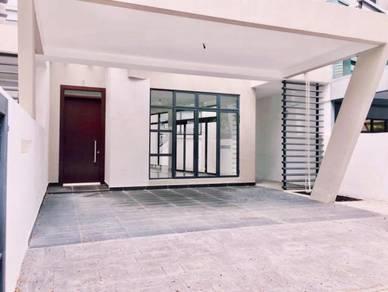 Freehold  24x80  Rumah cantik di Laman Glenmarie Shah Alam harga BAIKK