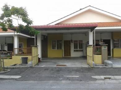 Homestay Rumah Setingkat 2 Tingkat di Meru Raya