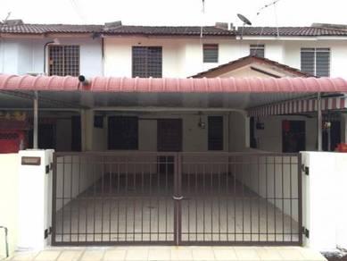 Double sty house in tmn Bercham utama