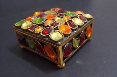 Vintage Footed Jewelery Box