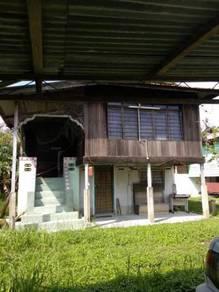 Rumah Kampung di Lambor Kanan Untuk Disewa Kemasukan Segera!!